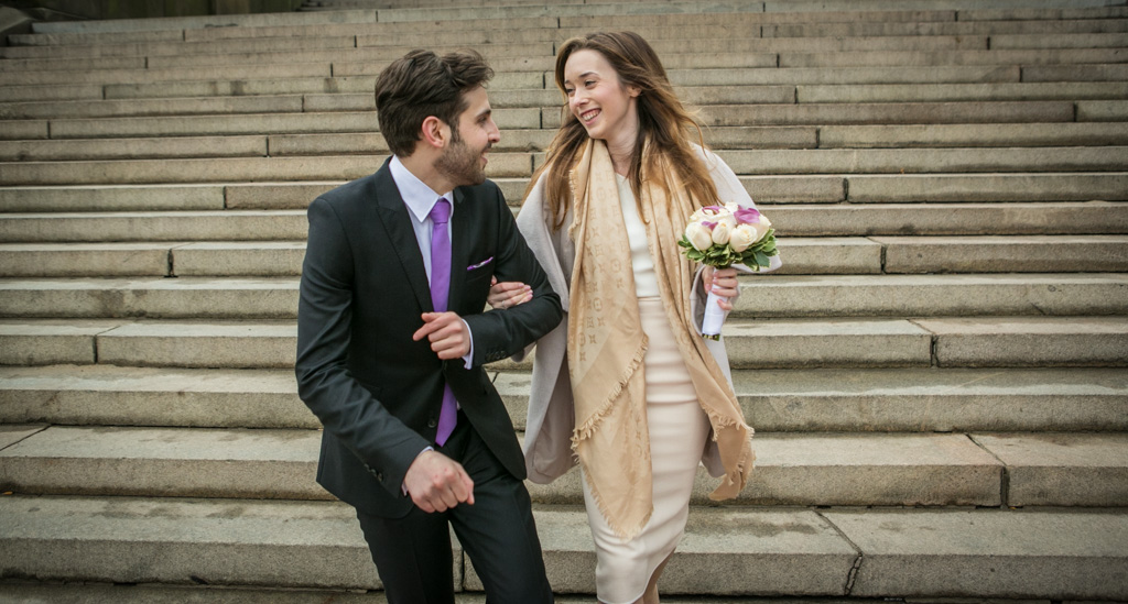[Central Park's Bow Bridge Wedding]– photo[4]