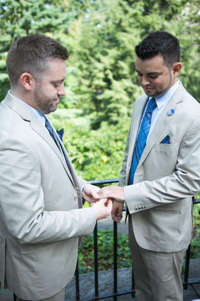 [Central Park Shakespeare Garden Wedding]– photo[6]
