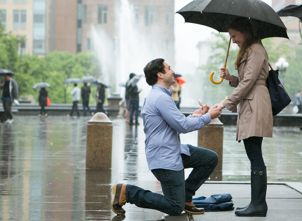 [ TRainy Washington Sq. Park Propose ]– photo[1]