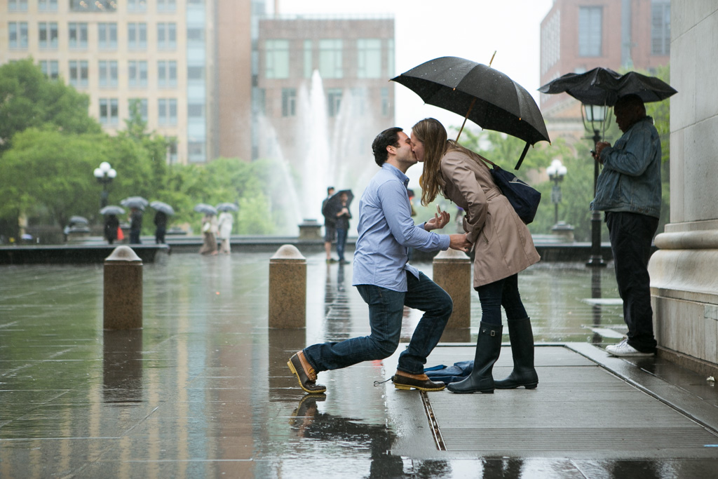 Photo 4 Rainy Washington Sq. Park Propose | VladLeto