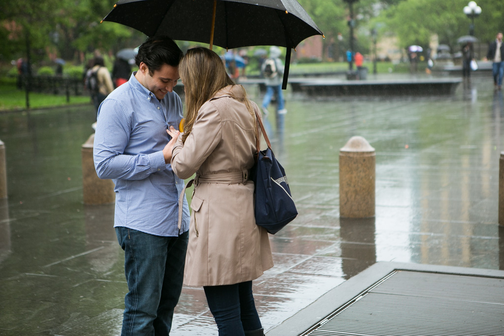 Photo 5 Rainy Washington Sq. Park Propose | VladLeto
