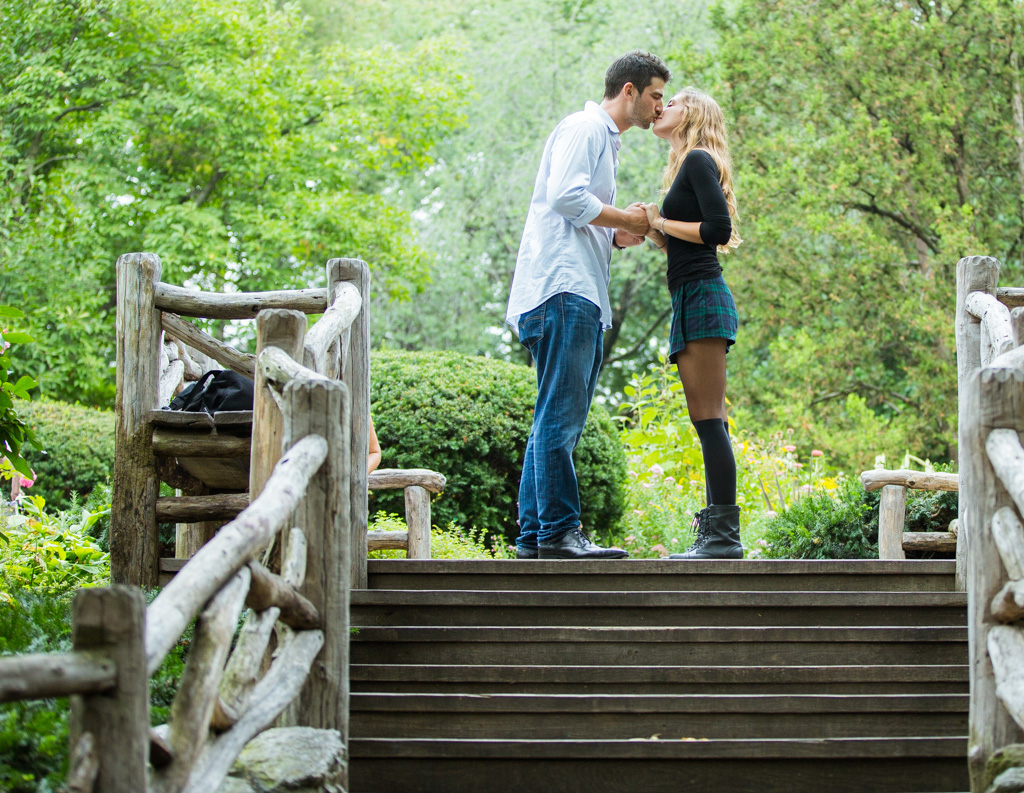 Proposal in Shakespeare Garden at Central Park]– photo[13]