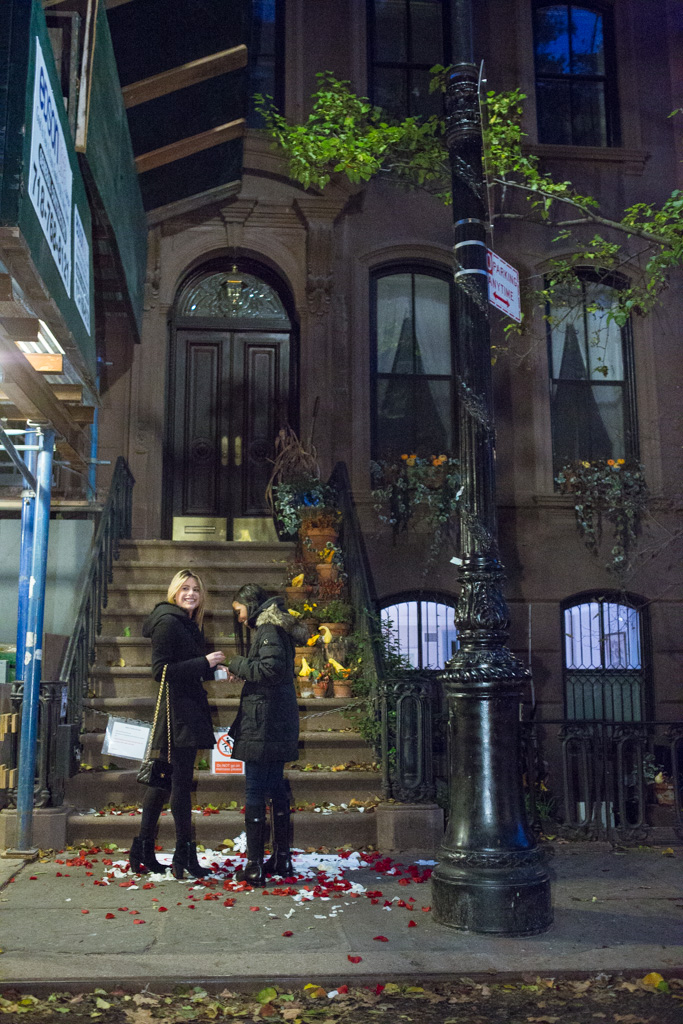 Photo 4 Marriage Proposal at front Carrie Bradshaw House from Sex and the City(64 Perry St in Manhattan