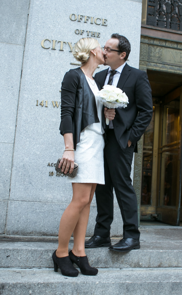 Photo 13 City Hall Wedding Brooklyn Bridge | VladLeto