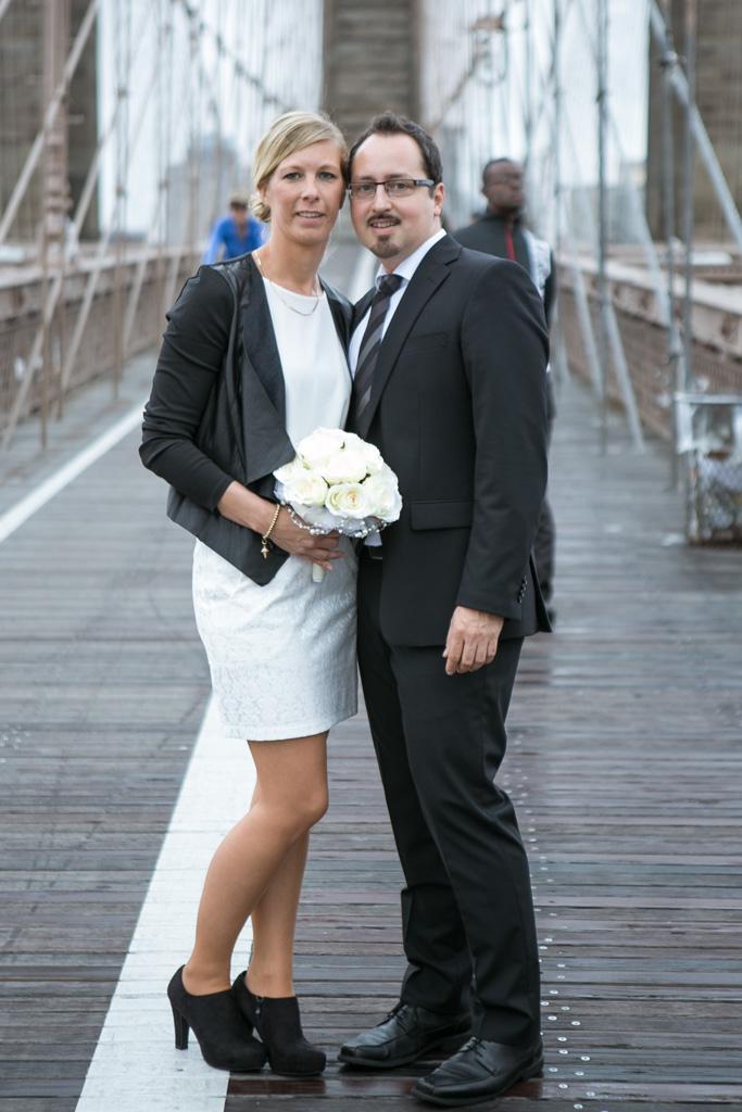 Photo City Hall Wedding Brooklyn Bridge | VladLeto