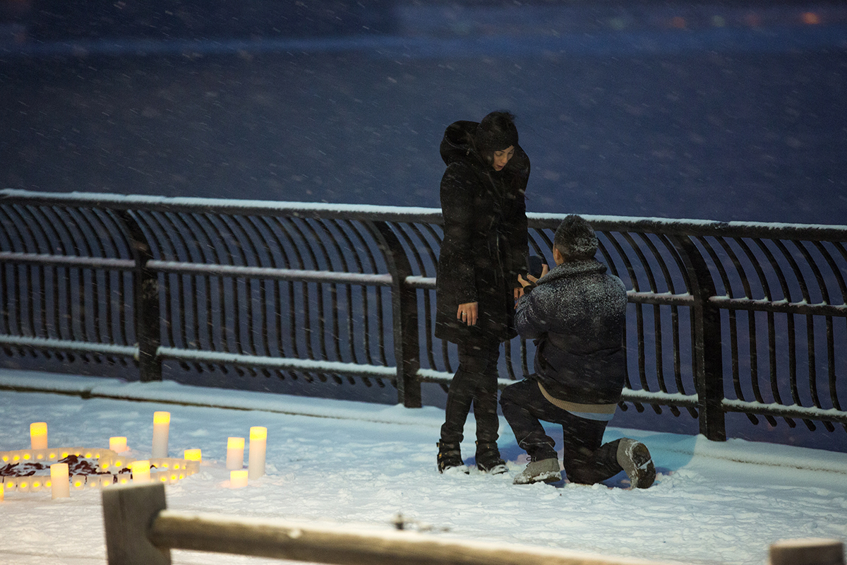 "Photo 5 Surprise proposal story ""Snowy Night"" 