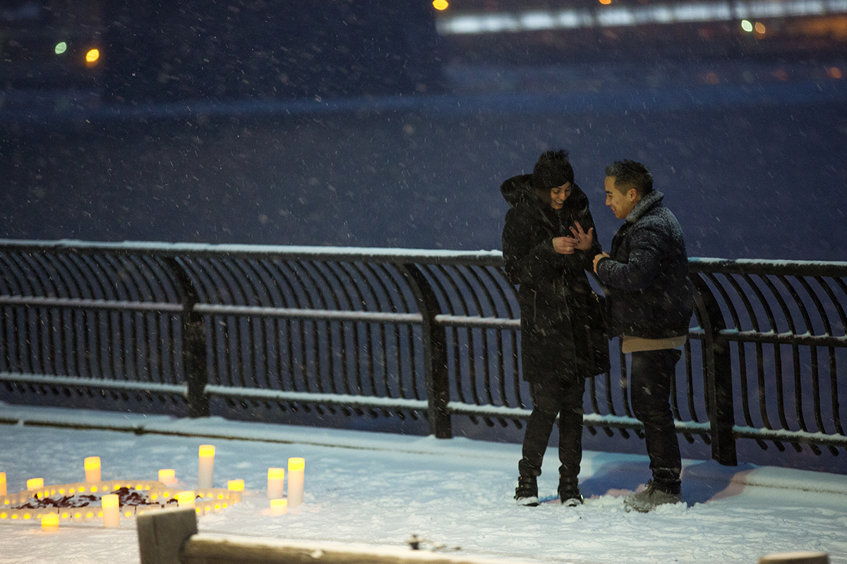 "Photo 7 Surprise proposal story ""Snowy Night"" 
