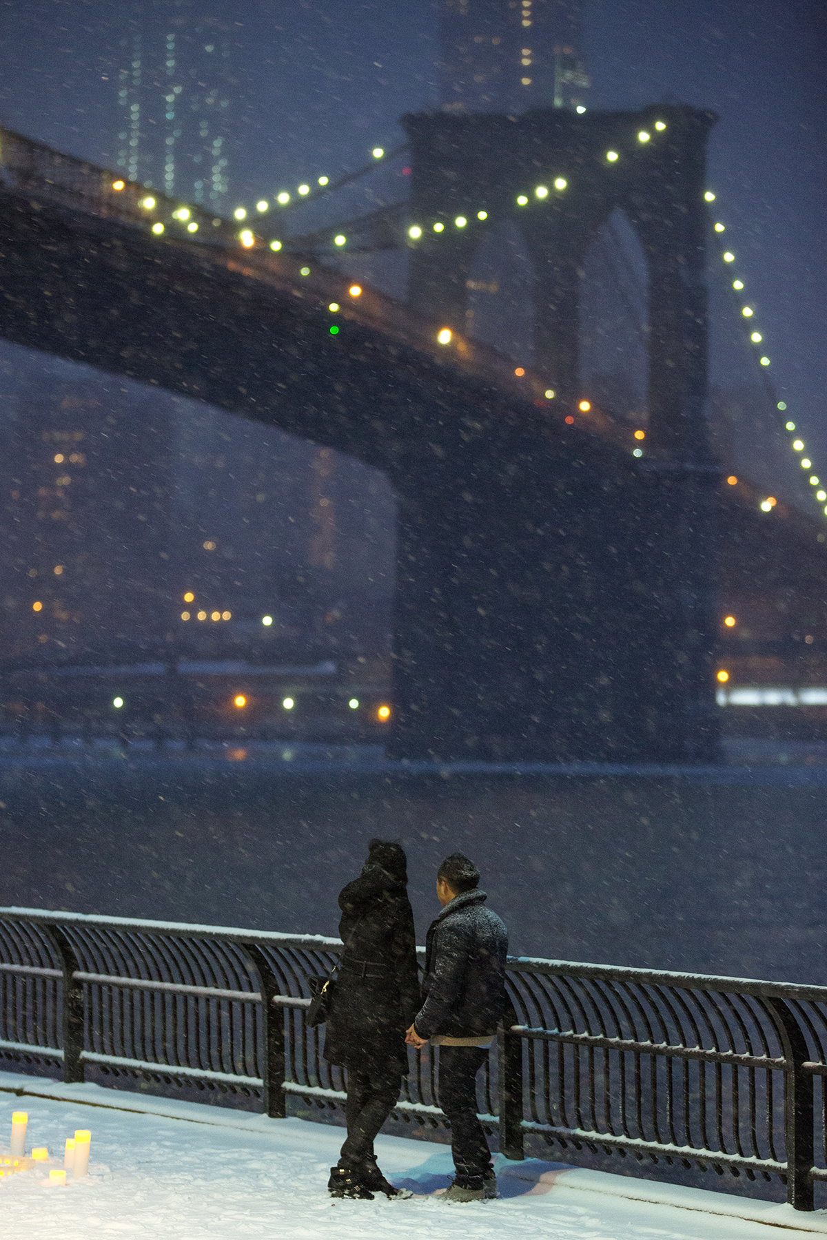 "Photo 8 Surprise proposal story ""Snowy Night"" 