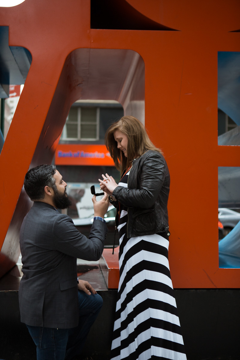 Photo 3 Surprise proposal by Love Sculpture in NYC. | VladLeto