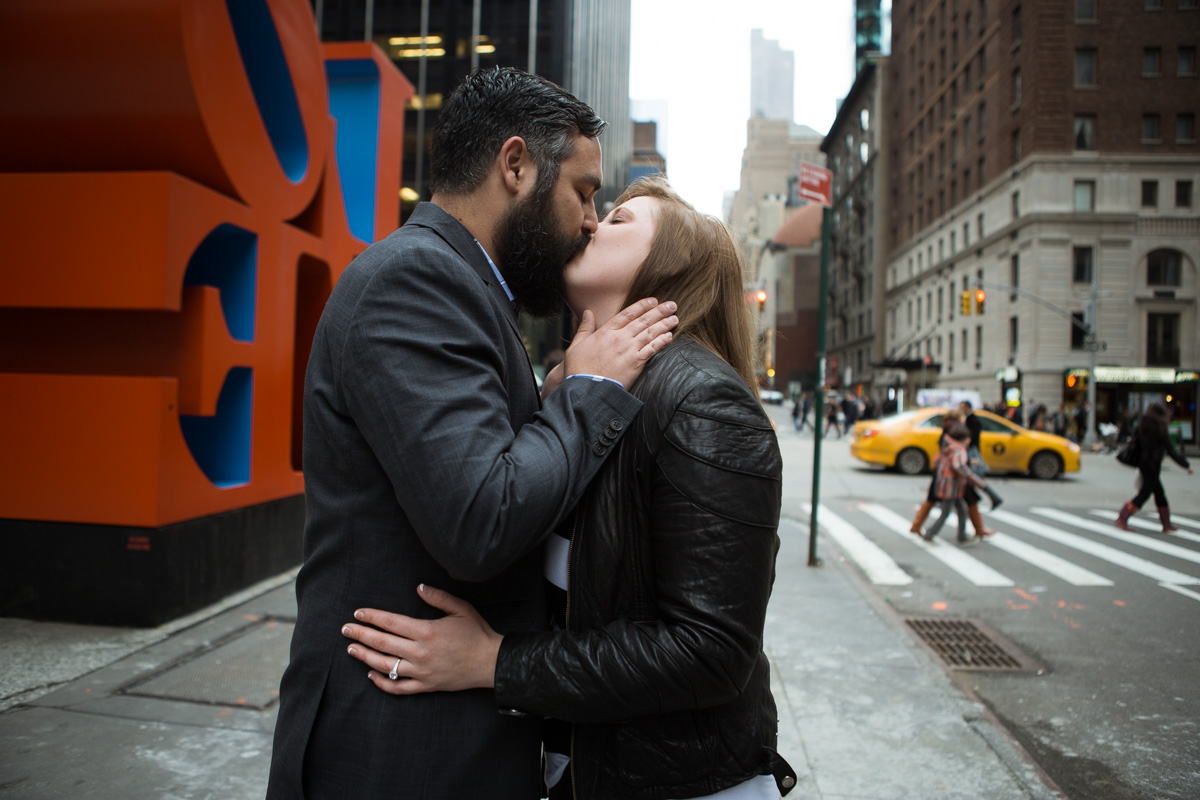 Photo 5 Surprise proposal by Love Sculpture in NYC. | VladLeto