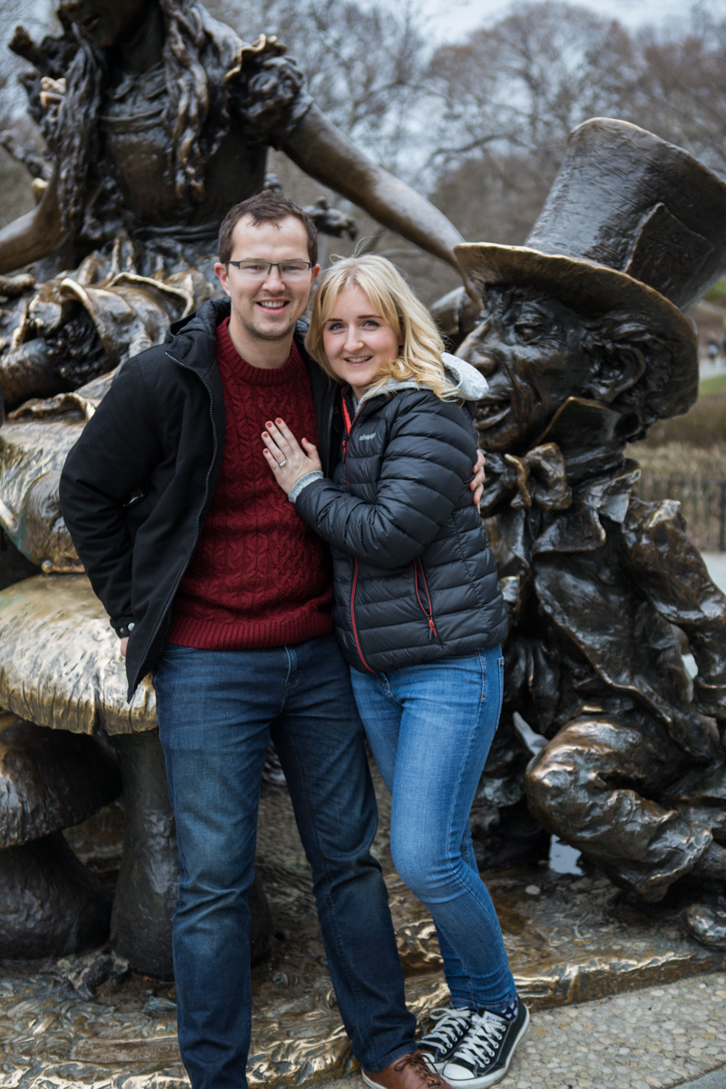[Surprise wedding proposal by Alice in Wonderland statue in Central Park]– photo[4]