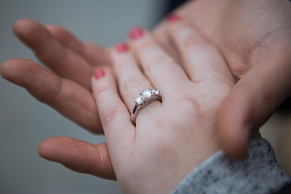 Photo 8 Surprise wedding proposal by Alice in Wonderland statue in Central Park. | VladLeto