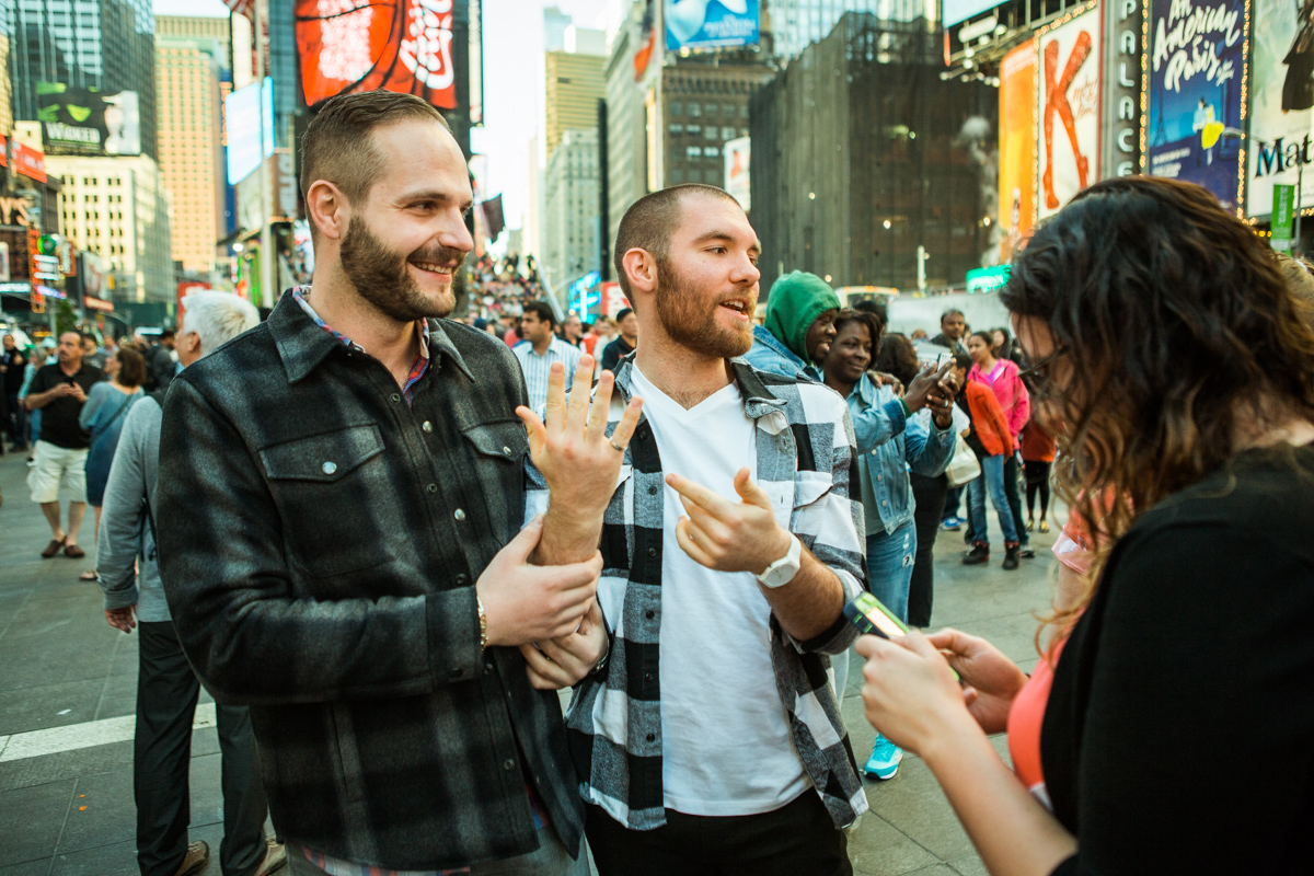 [Times Square Marriage Proposal]– photo[5]