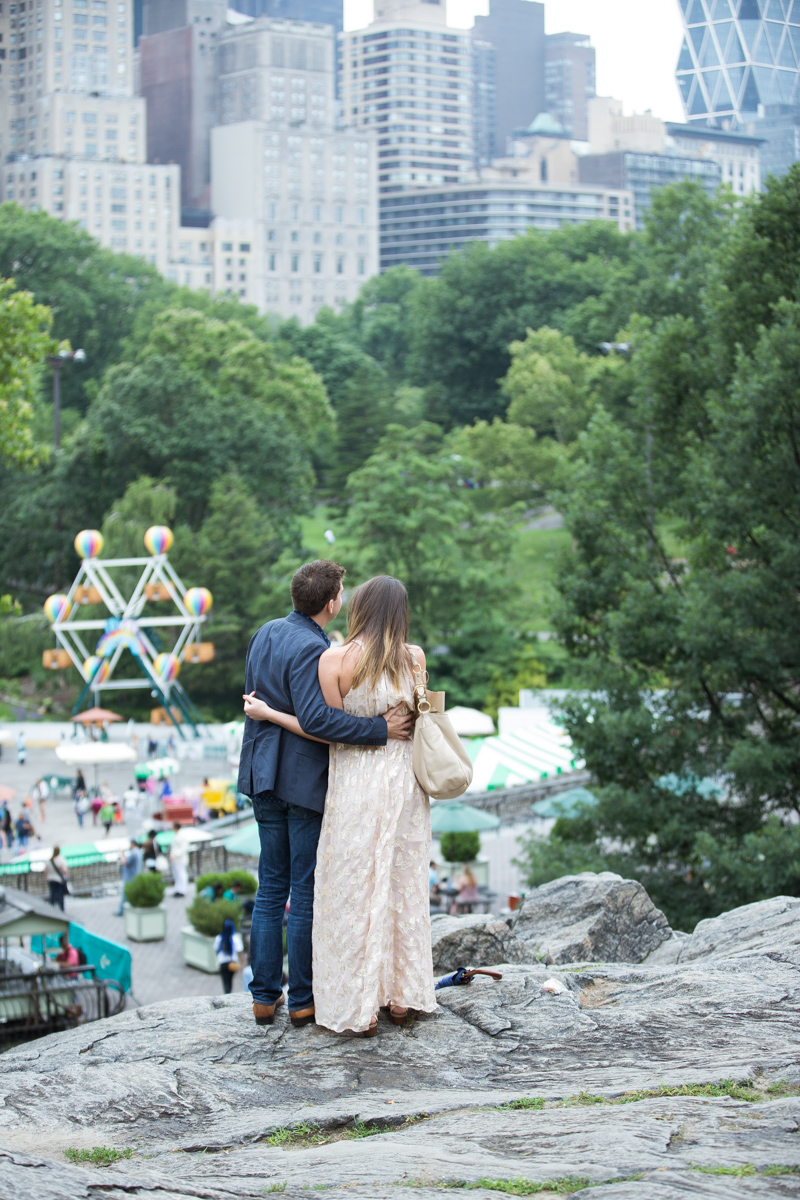 Photo 4 Marriage Proposal on the Rock in Central Park | VladLeto