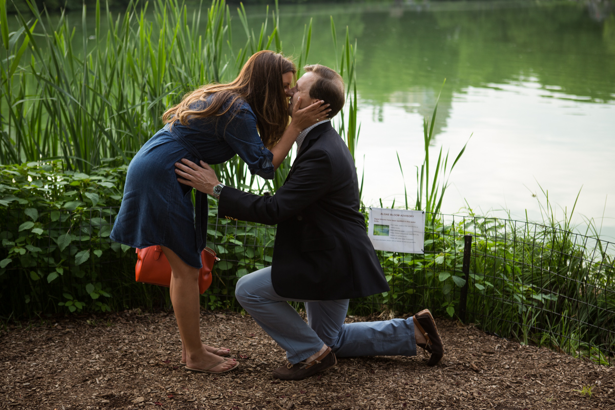 Photo 4 Central park wedding proposal by the Lake | VladLeto