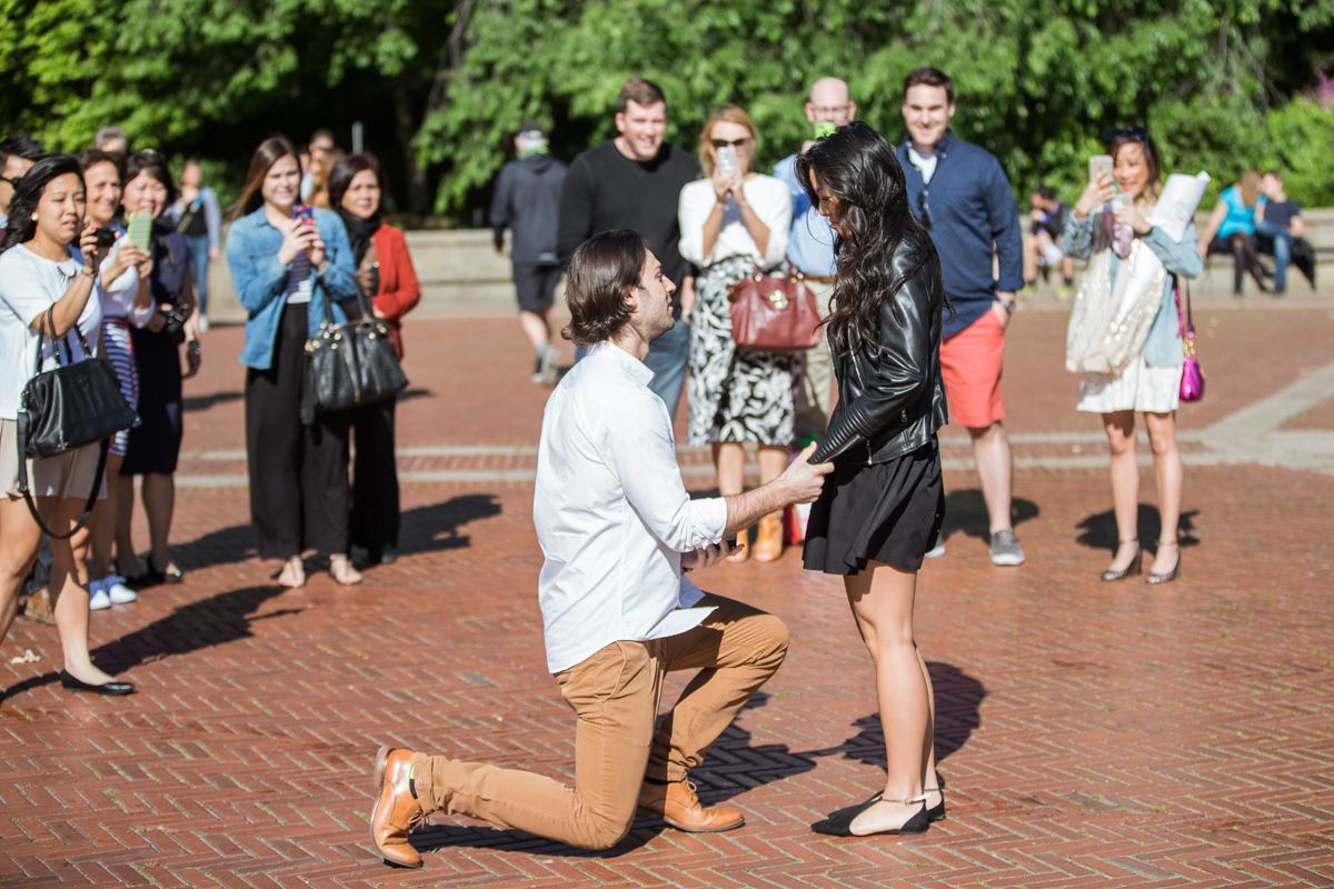 Photo Bethesda Fountain marriage proposal | VladLeto