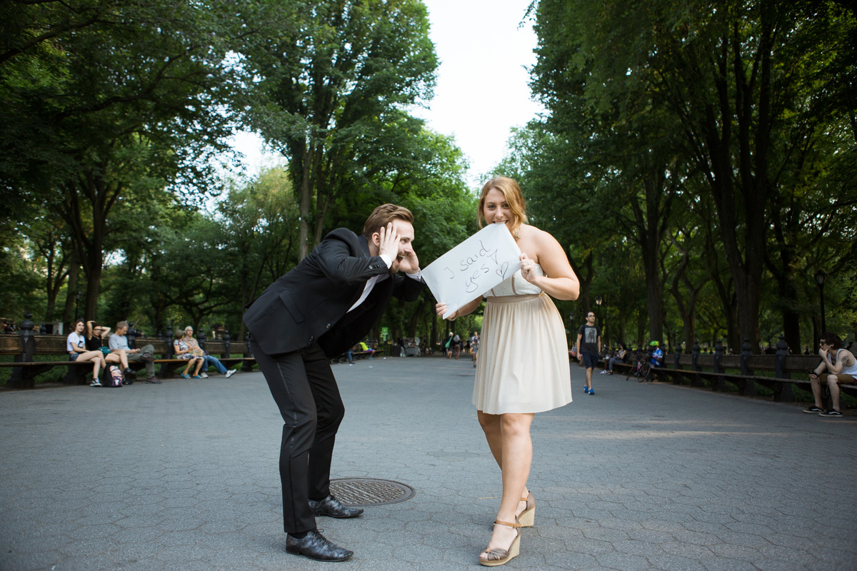 Photo 6 Gapstow Bridge marriage proposal in Central Park | VladLeto