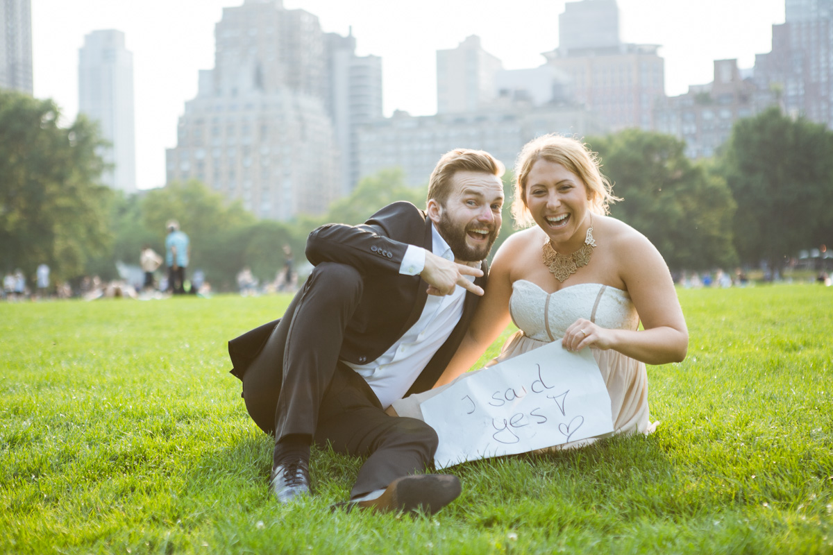 Photo 8 Gapstow Bridge marriage proposal in Central Park | VladLeto