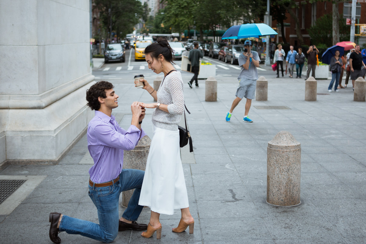 [Proposal in Washington Square Park ]– photo[6]