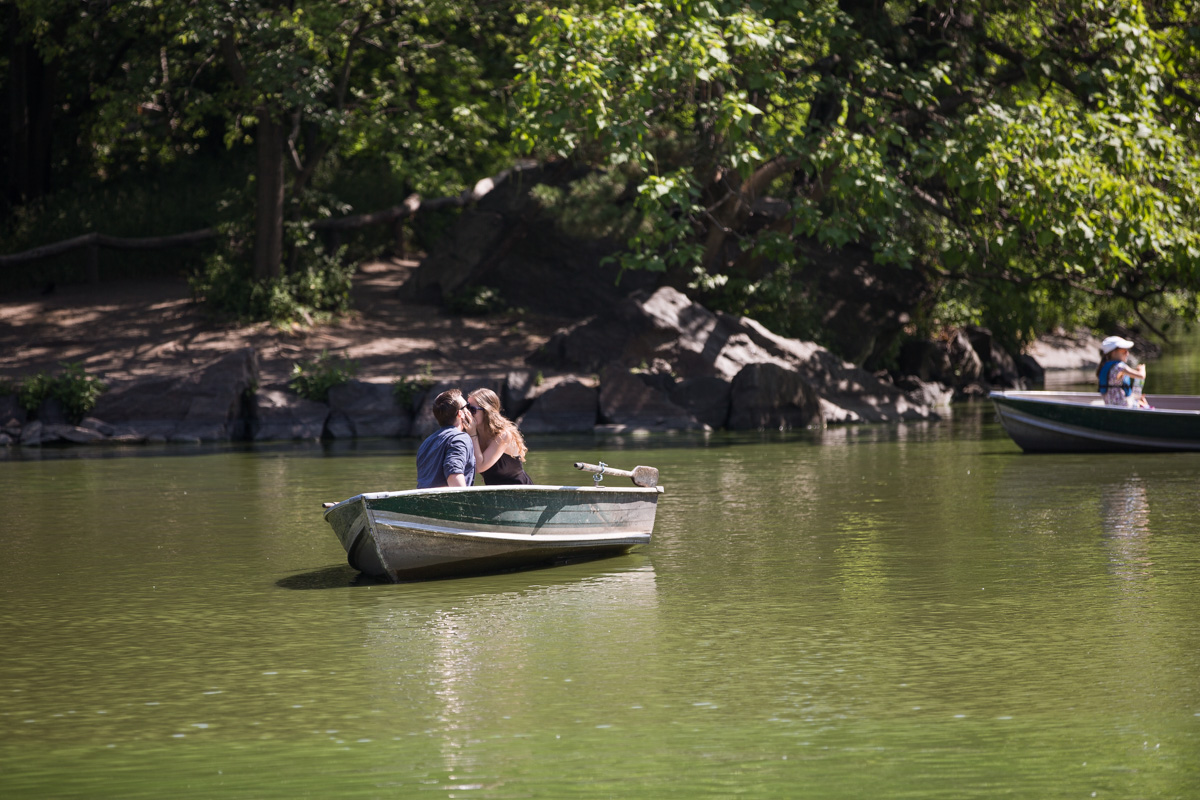 [Central Park Marriage Proposal on a raw boat]– photo[5]