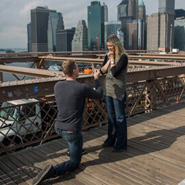 Photo Surprise Wedding Proposal on Brooklyn Bridge. | VladLeto
