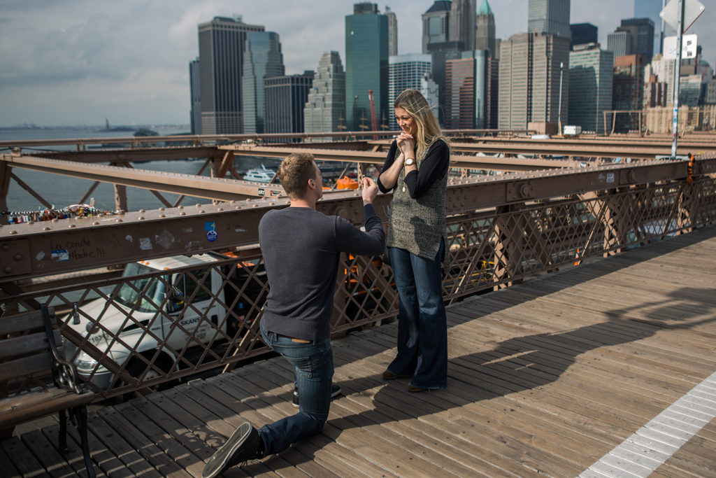 Photo Surprise Wedding Proposal on Brooklyn Bridge. | VladLeto