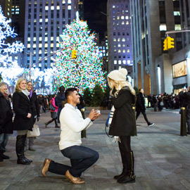 Photo Holiday Season is the most popular time to propose in NYC | VladLeto