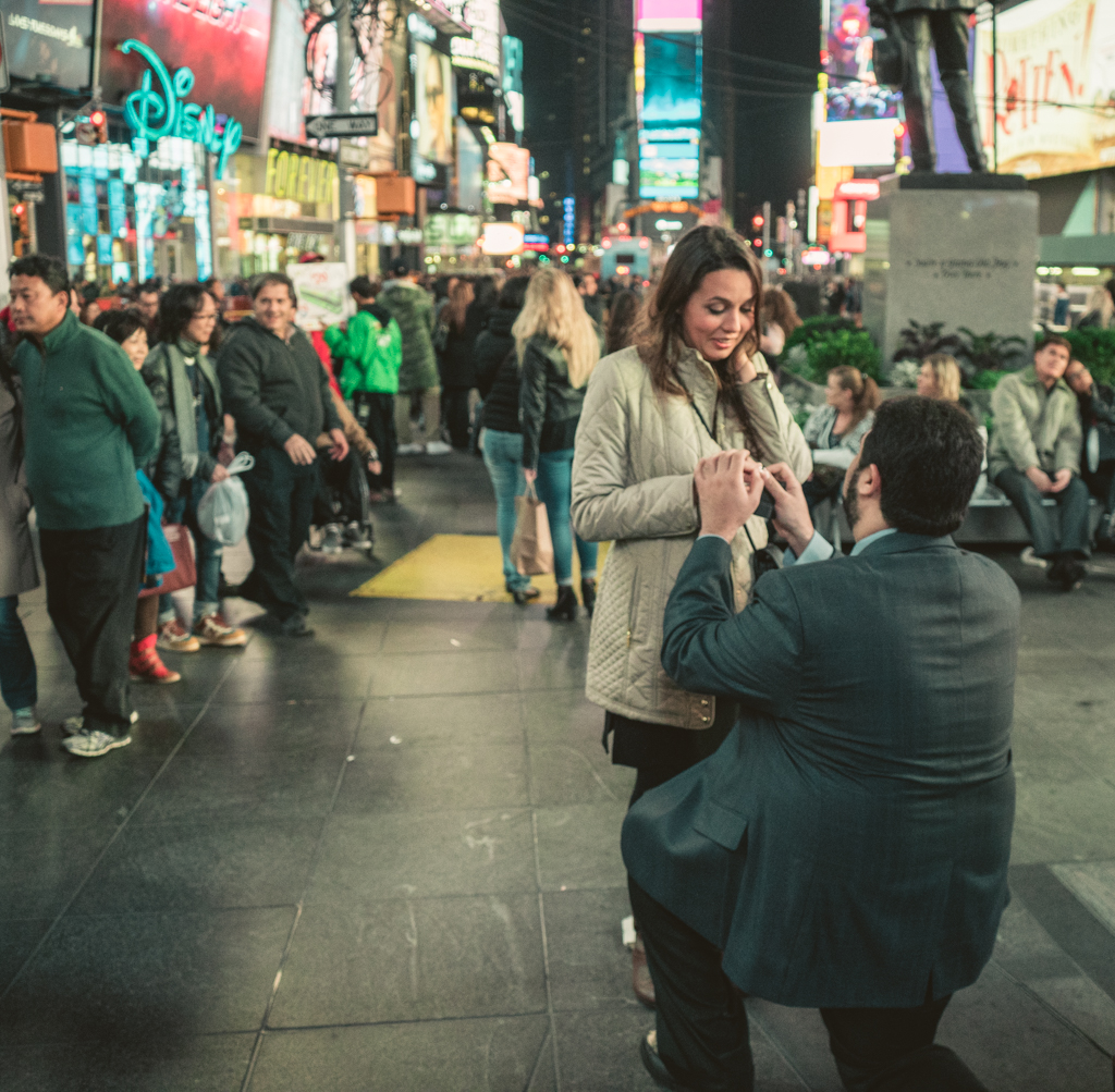 Photo 4 Times Square Marriage proposal New York City | VladLeto