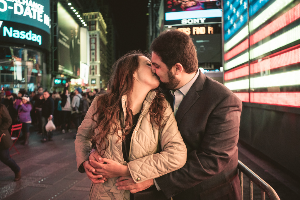 Photo 17 Times Square Marriage proposal New York City | VladLeto