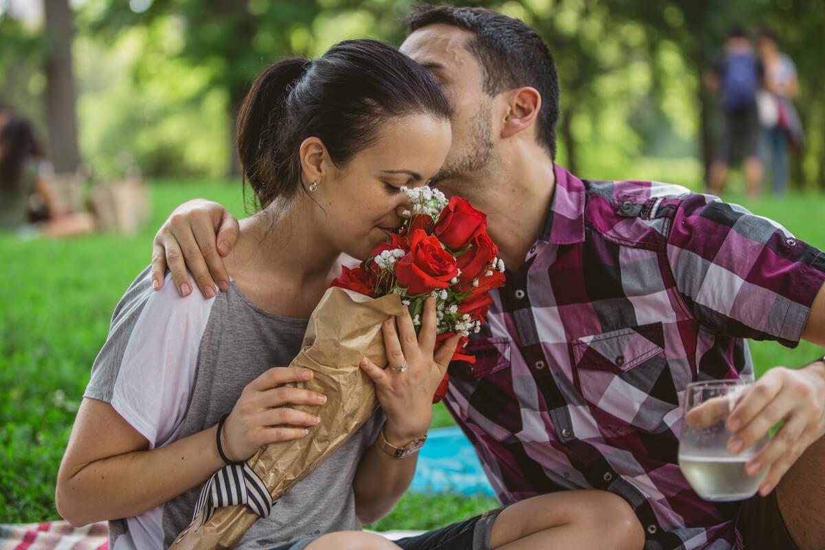Photo 12 Picnic Proposal in Central Park | VladLeto