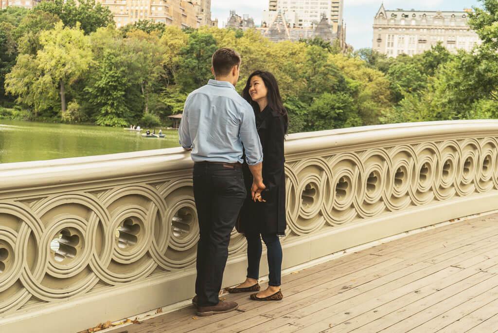 Photo Marriage Proposal on Bow Bridge, Central Park. | VladLeto