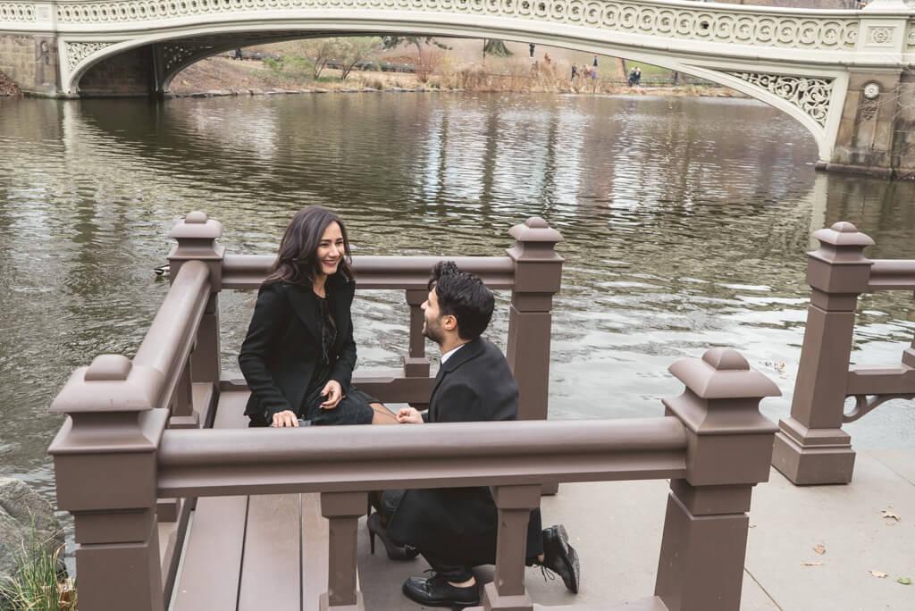 Photo Bow Bridge Surprise Proposal | VladLeto