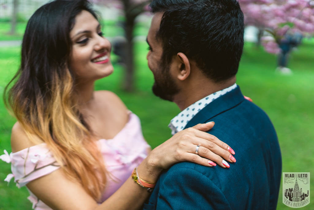 Photo 7 Cherry Blossom Marriage Proposal in Brooklyn Botanical Garden | VladLeto