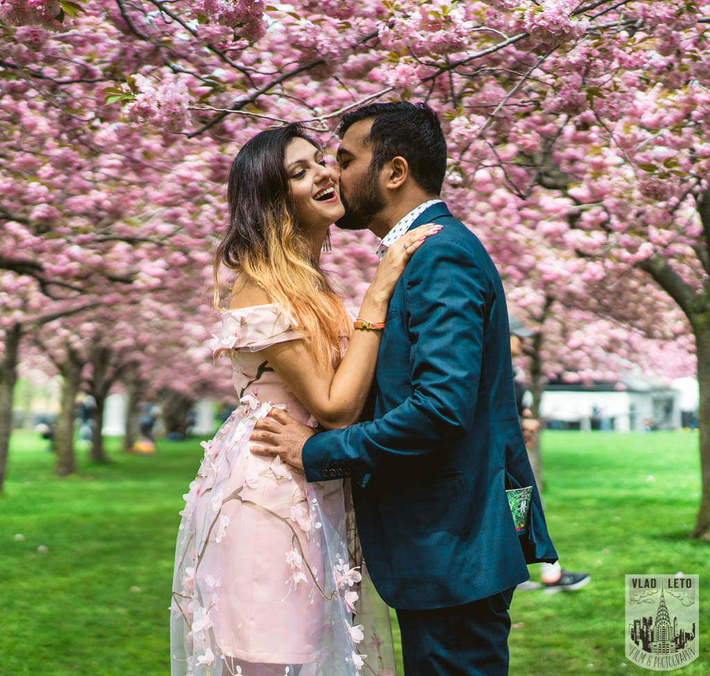 Photo 7 Cherry Blossom Marriage Proposal in Brooklyn Botanical Garden | VladLeto