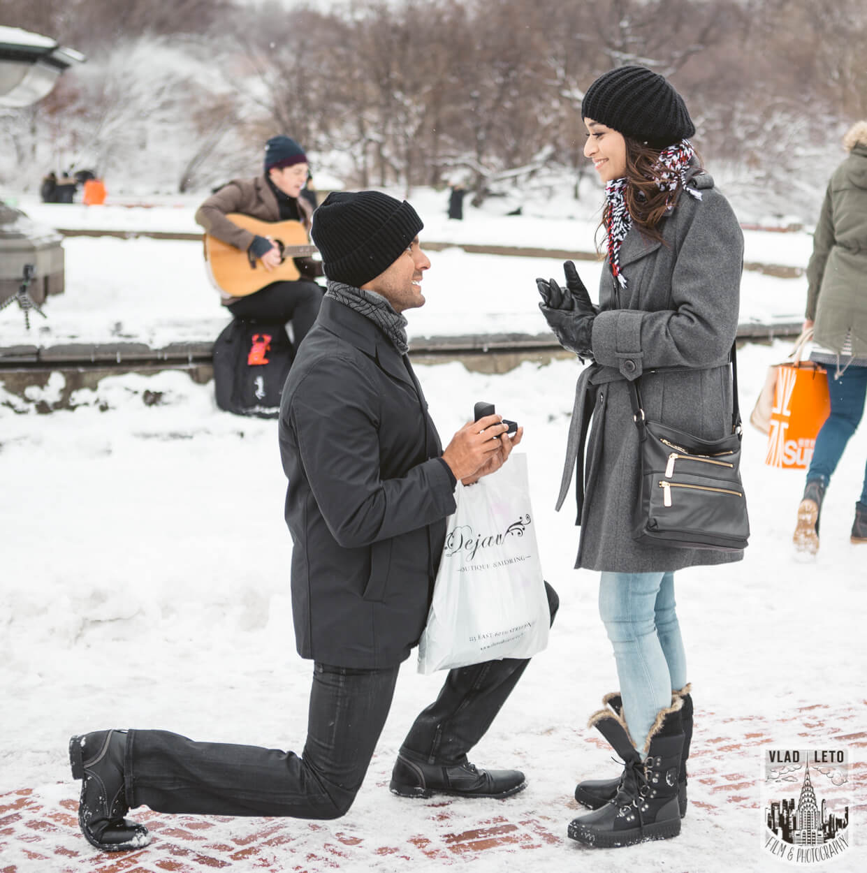 Photo 5 Central Park Bethesda Terrace Marriage Proposal with a guitarist | VladLeto