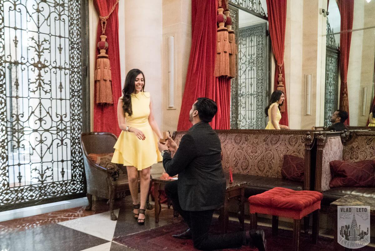 Photo Surprise Proposal at Knave restraint in Midtown, Manhattan. | VladLeto