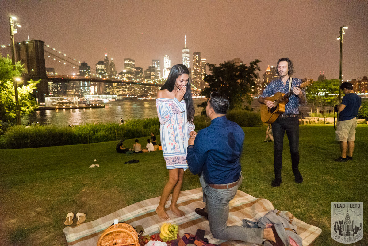 Photo 9 Brooklyn Bridge Picnic Proposal | VladLeto