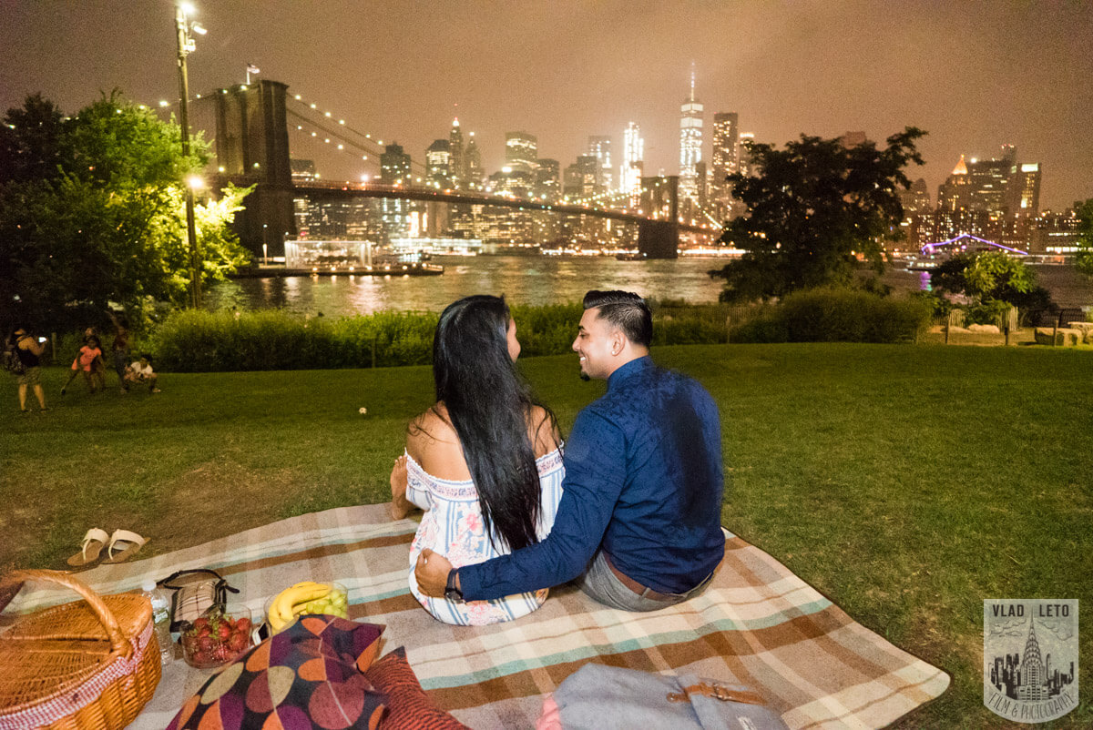 Photo 9 Brooklyn Bridge Picnic Proposal | VladLeto