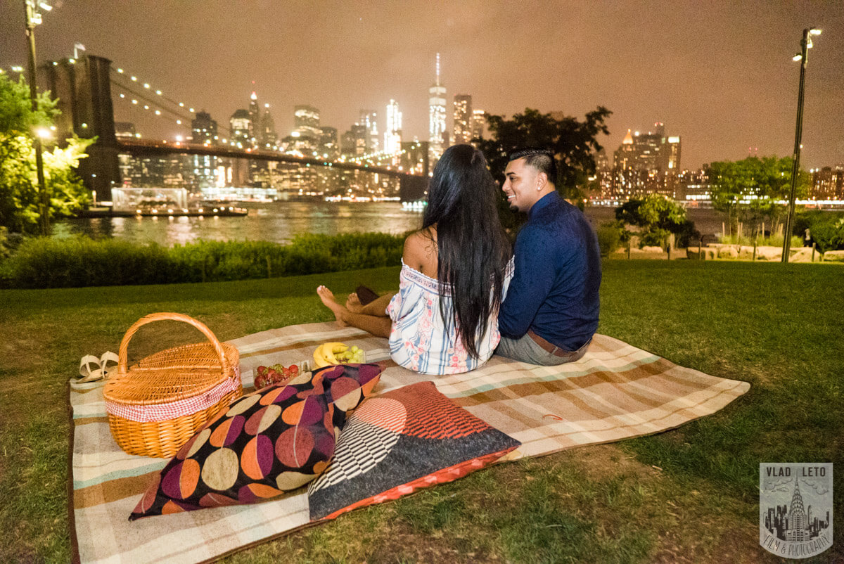 Photo 25 Brooklyn Bridge Picnic Proposal | VladLeto