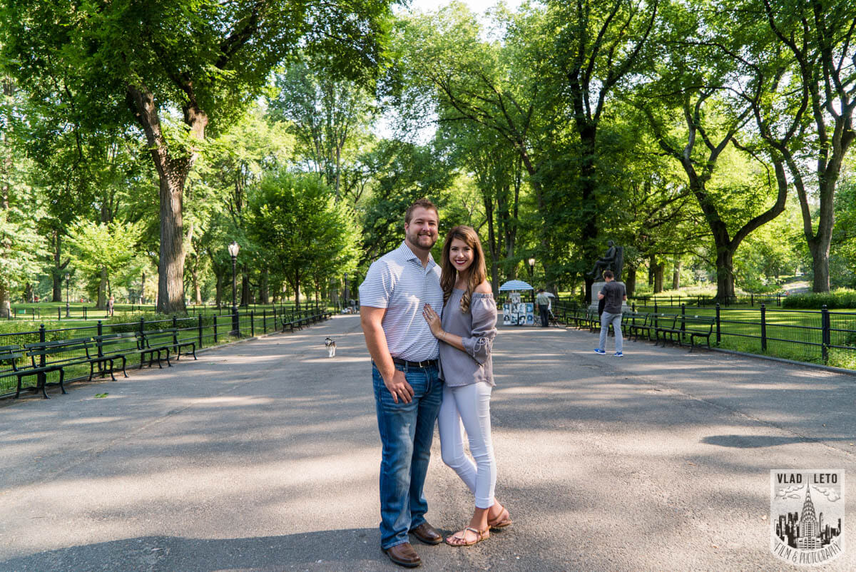 Photo 11 Brooklyn Bridge proposal and Engagement shooting in Central Park. | VladLeto
