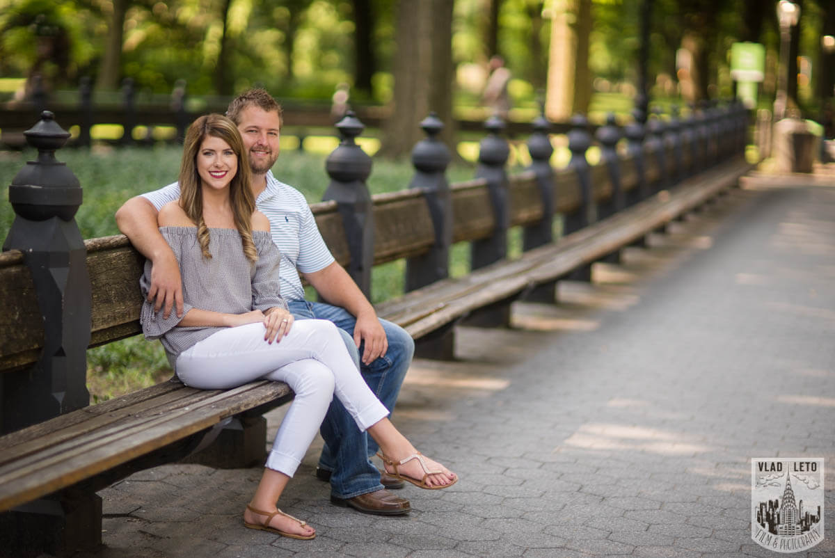Photo 12 Brooklyn Bridge proposal and Engagement shooting in Central Park. | VladLeto
