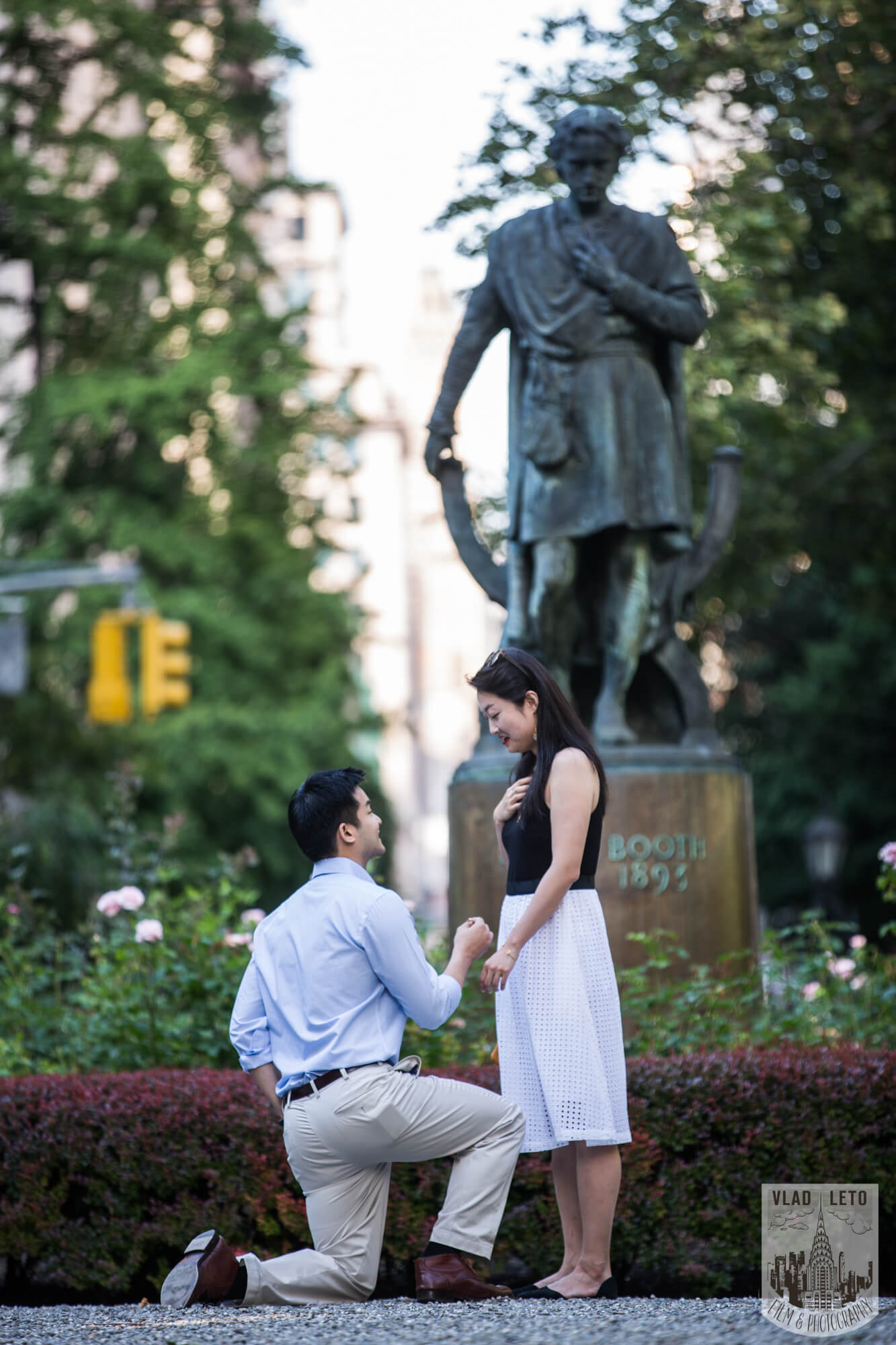 Photo Gramercy Park Marriage Proposal   VladLeto