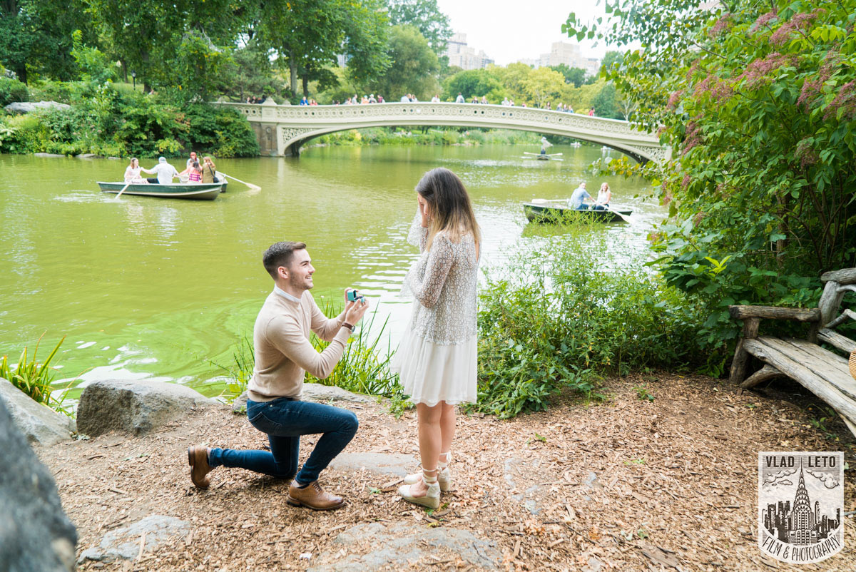 Bow Bridge Secret Marriage proposal in Central Park. Photographer Vlad Leto