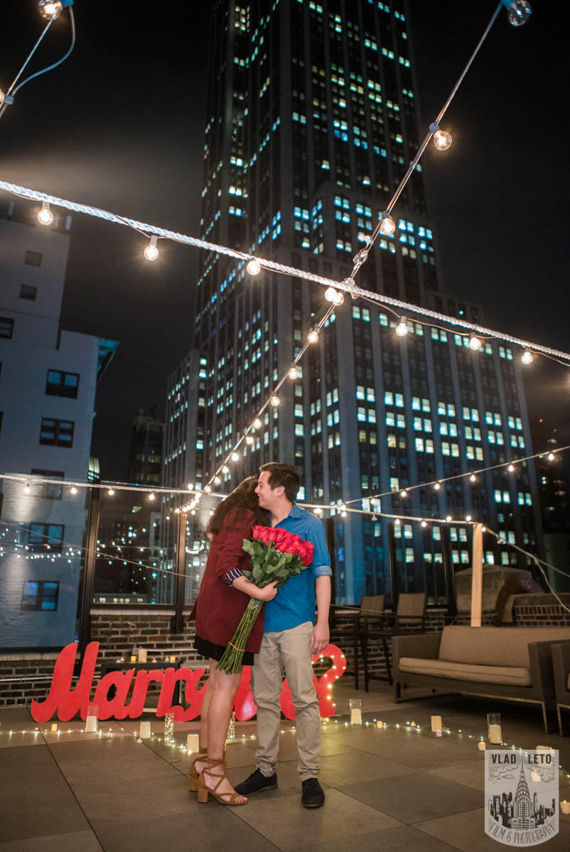 Photo 5 Rooftop Proposal with Empire State building view | VladLeto