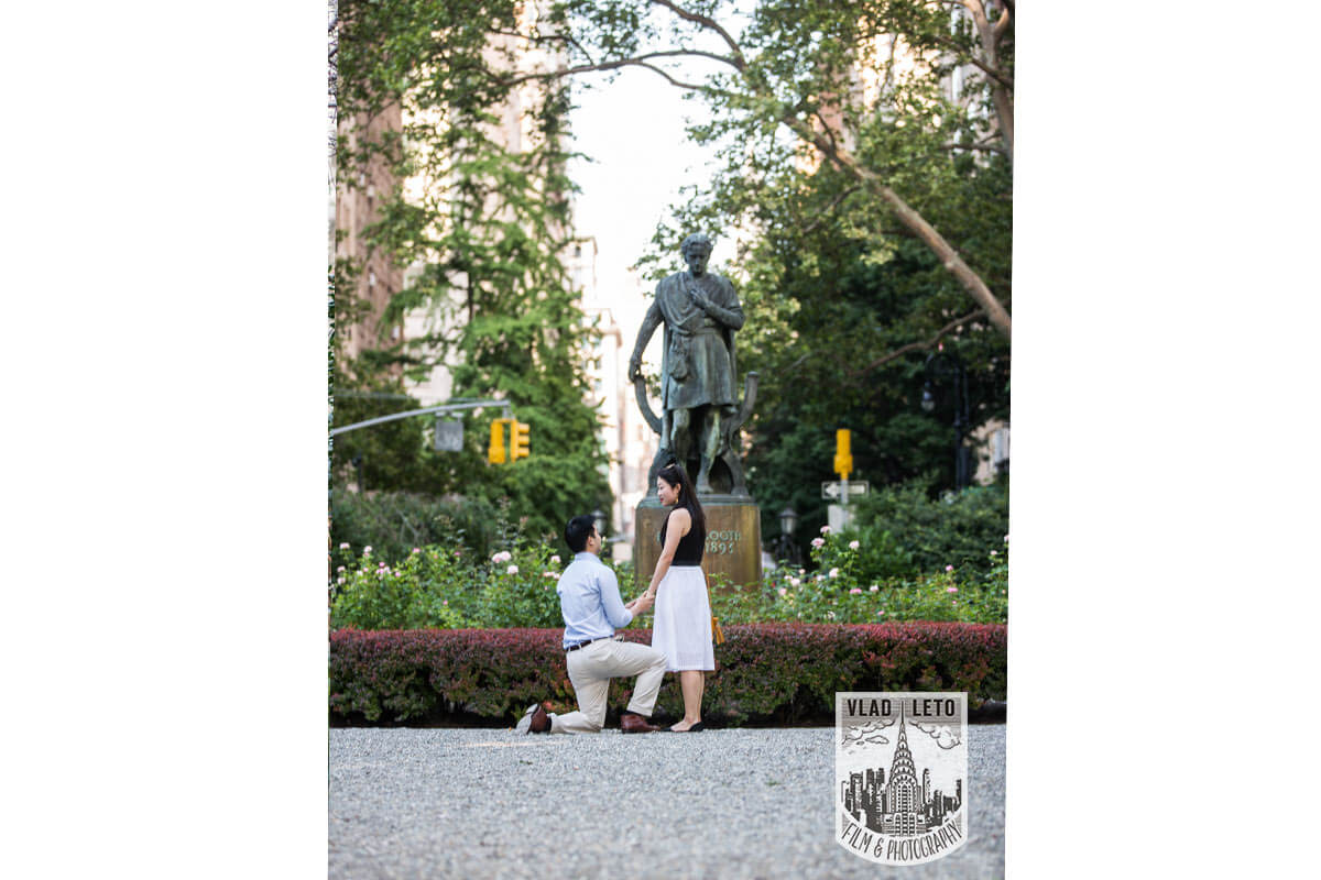 Photo 15 Best Places to Propose in NYC + Tips. | VladLeto