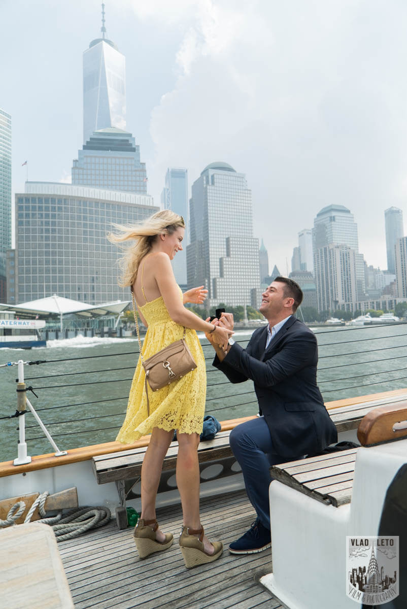 Marriage Proposal on a Private Boat, NYC. Photographer Vlad Leto