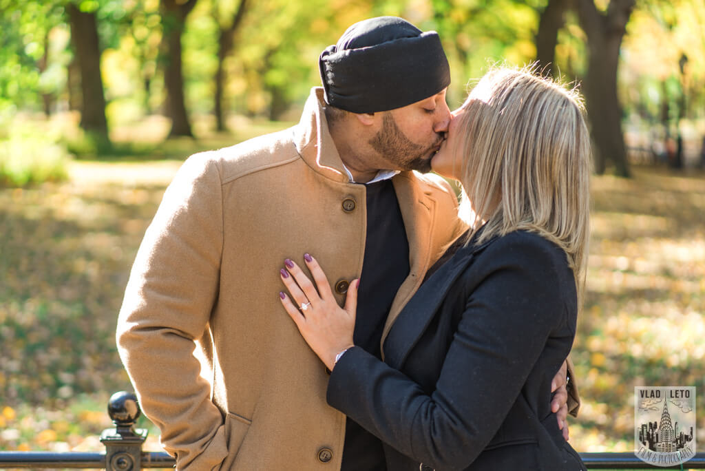 Photo 7 How he Asked featured Proposal story from Central Park | VladLeto