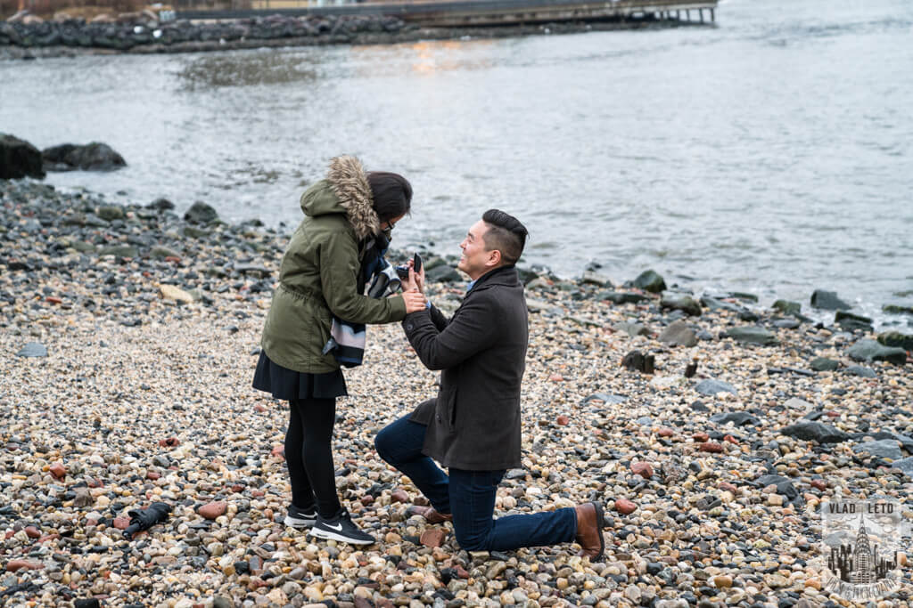 proposal spot by Brooklyn bridge