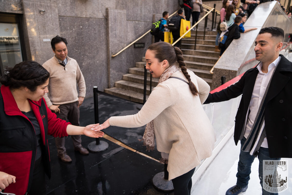 Photo 11 Proposal at the Rink at Rockefeller Center | VladLeto