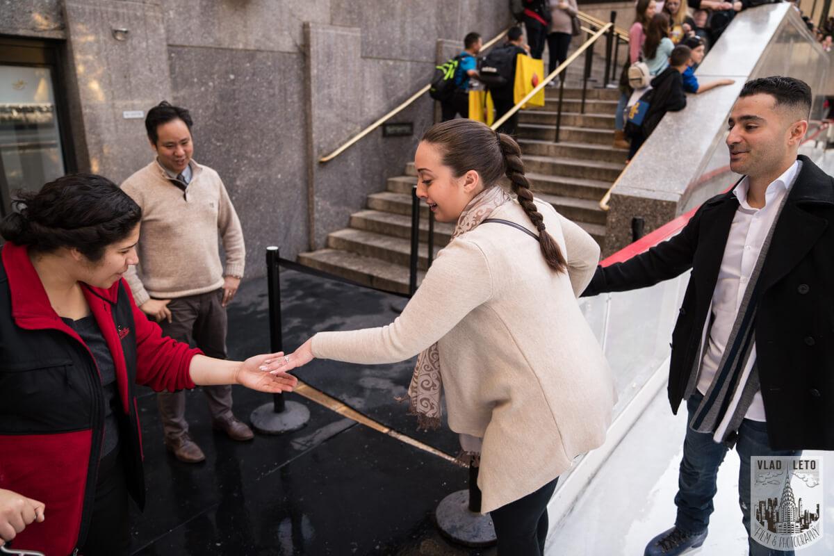 Photo 7 Proposal at the Rink at Rockefeller Center | VladLeto